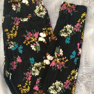 New LuLaRoe Leggings - OS Black Floral Butterflies
